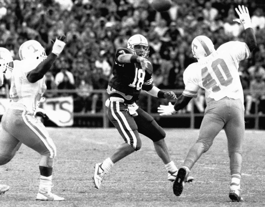 Former+Cumberland+High+School+three-sport+star+Freddie+Maggard+is+pictured+playing+quarterback+for+the+Kentucky+WIldcats.