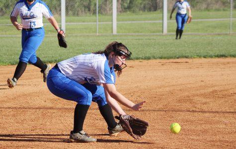 Raegan Robbins hit .418 last season to lead the Bell County Lady Cats.