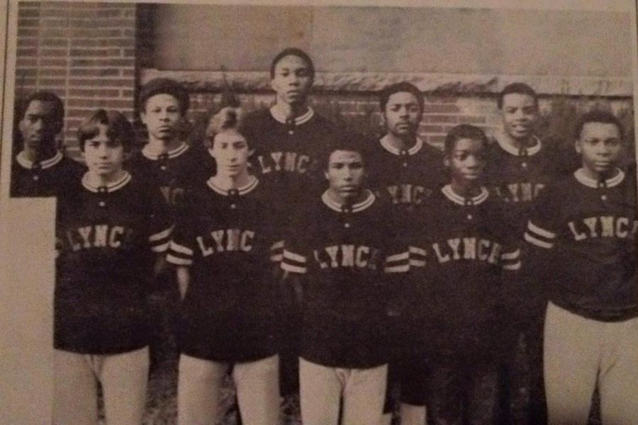 The+1981+Lynch+High+School+basketball+team+is+pictured.+It+was+the+last+team+in+school+history+before+merger+with+Cumberland+High+School.