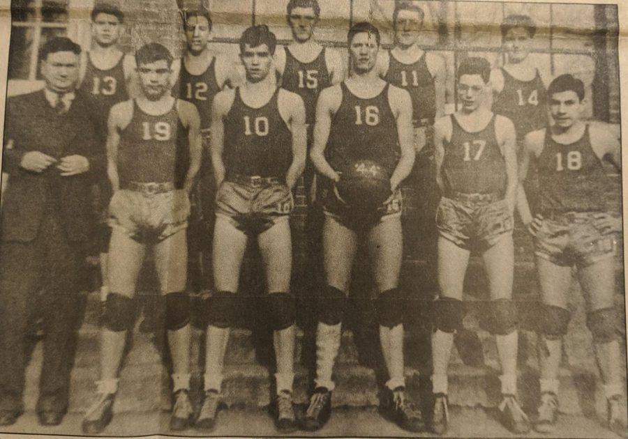 Harlan+captured+the+state+basketball+championship+in+1944.