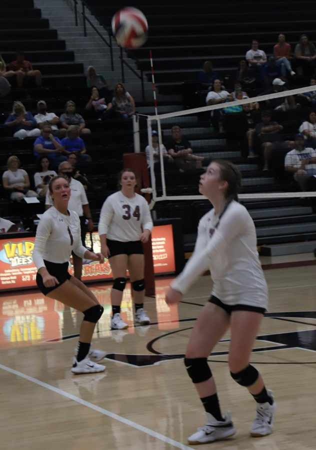 Harlan+County%27s+Brenna+Early+returned+the+ball+in+action+Monday+against+Barbourville.+The+Lady+Bears+bounced+back+from+a+season-opening+loss+to+win+in+four+sets+on+Tuesday+at+Pineville.