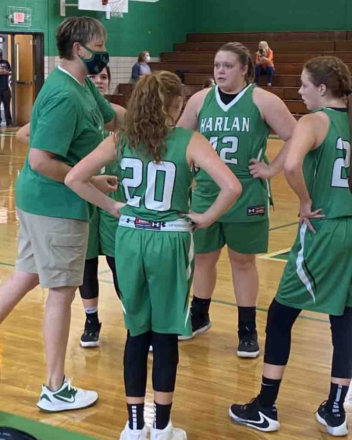 Harlan+coach+Amanda+Vance+talked+with+her+team+during+a+break+in+Saturday%27s+game+against+Williamsburg.+The+Lady+Dragons+won+25-24+to+improve+to+5-2+on+the+season.
