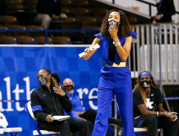 Kyra Elzy has the ninth-ranked Kentucky women's basketball team off to a perfect 6-0 start this season.