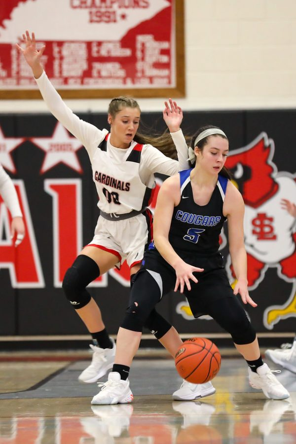 Letcher+Central%27s+Brooke+Bates%2C+pictured+in+action+earlier+this+season+at+South+Laurel%2C+scored+12+points+Monday+in+the+Lady+Cougars%27+win+over+Hazard.