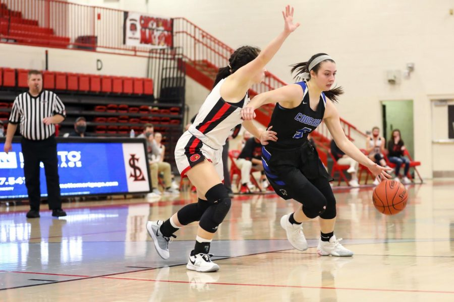 Letcher+Central%27s+Brooke+Bates%2C+pictured+in+action+earlier+this+season%2C+had+16+points+and+eight+rebounds+in+the+Lady+Cougars+in+55-53+win+at+Knott+Central+on+Friday.