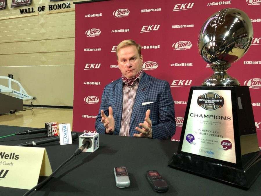 Eastern+Kentucky+football+coach+Walt+Wells+discussed+the+Colonels%27+move+to+the+Atlantic+Sun+Conference+Friday+during+a+press+conference+at+McBrayer+Arena.+