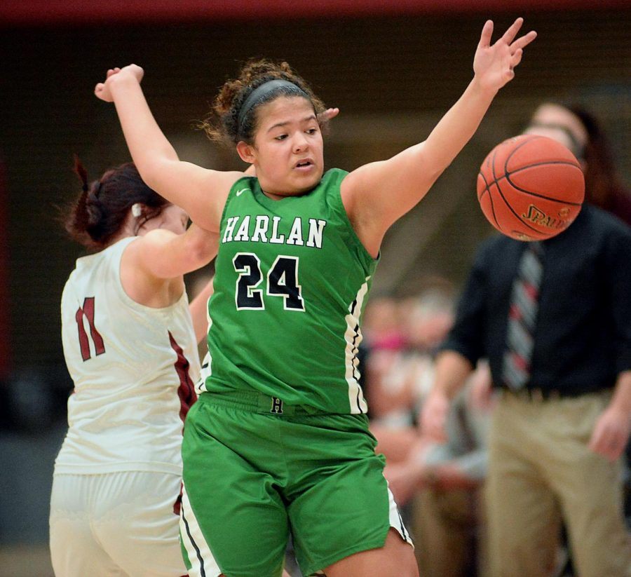 Harlan%27s+Aymanni+Wynn+reached+for+a+loose+ball+in+a+game+earlier+this+season.+Wynn+had+21+points+and+nine+rebounds+in+the+Lady+Dragons%27+65-35+win+over+Barbourville+on+Thursday.