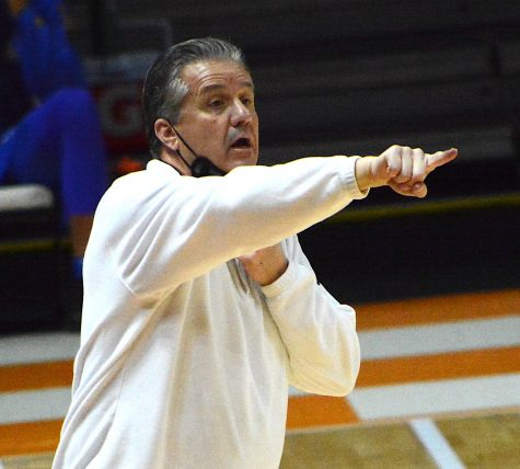 Kentucky coach John Calipari gave instructions to his team in a win over Tennessee on Saturday in Knoxville.
