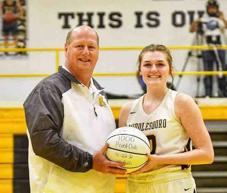 Middlesboro+junior+forward+Kailey+Owens+was+honored+before+Wednesday%27s+game+for+joining+the+school%27s+1%2C000-point+club.+Owens+had+36+points+and+13+rebounds+in+the+Lady+Jackets%27+win+over+Harlan.
