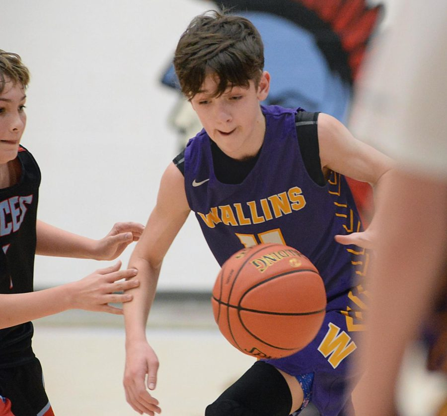 Trenton Cole scored 15 points on Thursday to lead Wallins past James A. Cawood in the seventh- and eighth-grade county tournament.