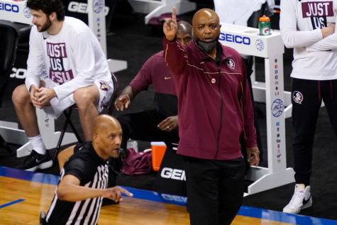 Florida State coach Leonard Hamilton directed his team during a game against North Carolina in the semifinal round of the Atlantic Coast Conference tournament in Greensboro, N.C.