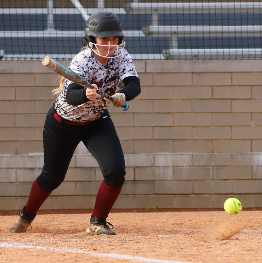 Harlan+County%27s+Kerrigan+Creech+put+down+a+suicide+squeeze+bunt+to+bring+in+the+first+run+on+Friday%27s+game+against+Pineville.+Creech+pitched+a+no-hitter+in+the+Lady+Bears%27+2-0+victory.