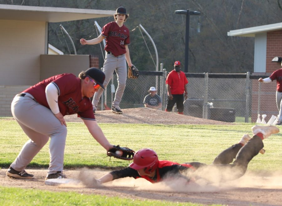 KH - WIll Cassim late on tag vs Perry Central's Dustin Fields
