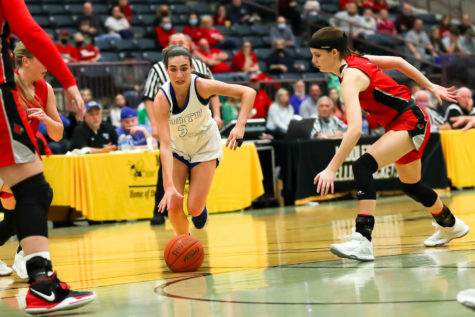 North Laurel guard Hailee Valentine worked through the South Laurel defense in the 13th Region Tournament finals.