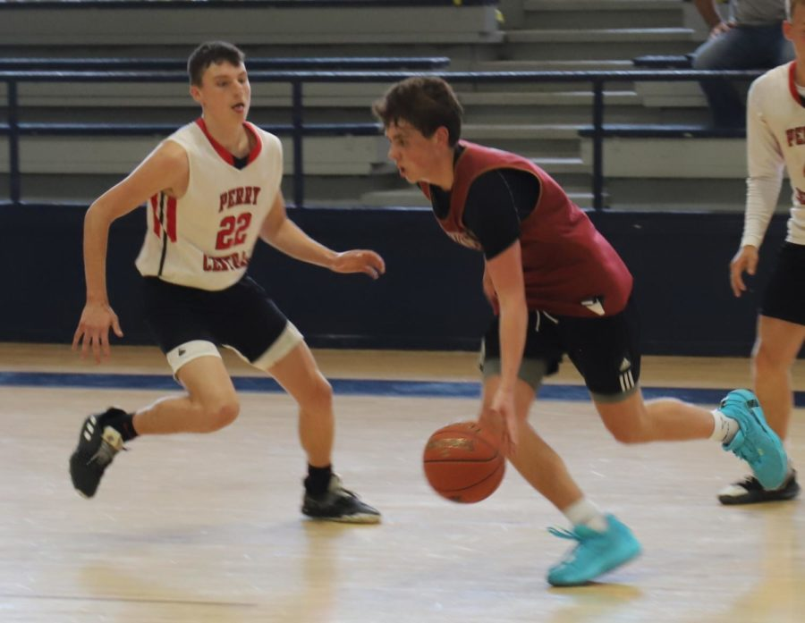 HCHS freshman guard Maddox Huff poured in 31 points in scrimmage action Thursday against Perry Central.