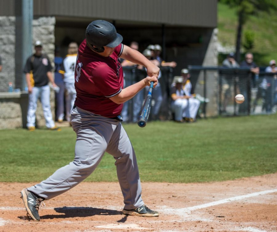 Harlan+County+first+baseman+Will+Cassim+went+after+a+pitch+in+Saturday%27s+game+at+Clay+County.