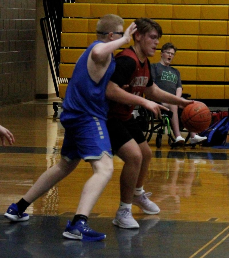 Freshman center Jaycee Carter worked his way to the basket in scrimmage action against North Laurel.