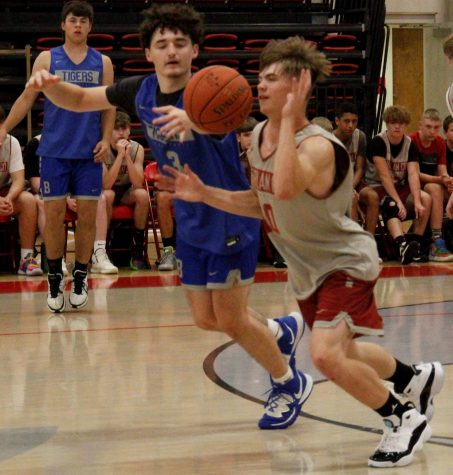 Harlan County guard Jonah Swanner stole the ball in the Bears win over Barbourville on Monday at South Laurel. Swanner scored 23 points on Saturday in a scrimmage against Taylor County.