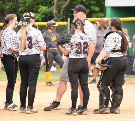 Harlan County coach Tim McElyea talked with his team during 52nd District Tournament action last week. McElyea confirmed Saturday he was stepping down as coach after eight season. McElyea led the Lady Bears to five district titles.
