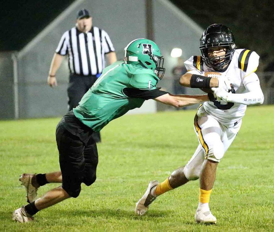 Harlan+defensive+back+Evan+Browning+moved+in+for+a+tackle+in+Fridays+game+at+Berea.+The+Pirates+broke+a+nine-game+losing+streak+with+a+29-8+victory+over+Harlan.