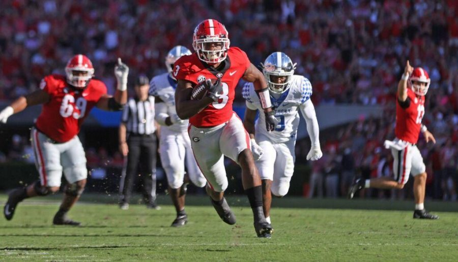 Georgia running back Zamir White (3) during the Bulldogs game with Kentucky in Dooley Field at Sanford Stadium.
